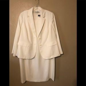 Kasper 2-pc dress set, off-white  16W polyester